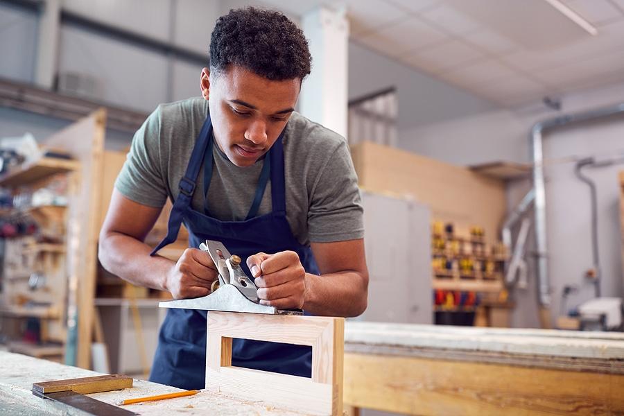 UCAS To Make Applying For Apprenticeships Easier